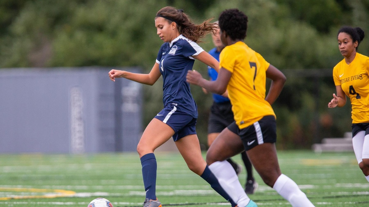 Farmingdale State Overwhelms Women's Soccer