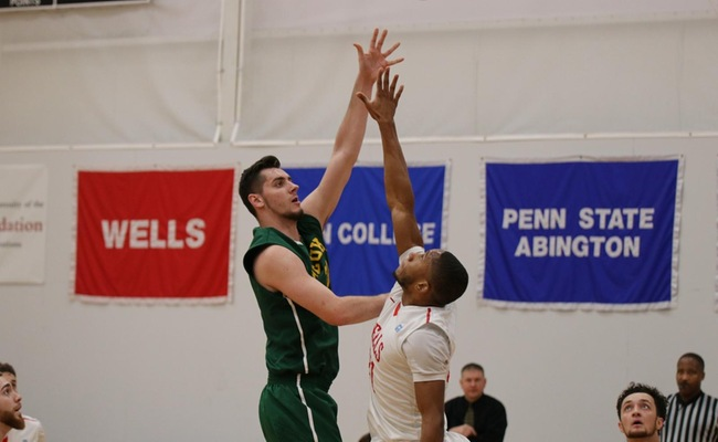 Ryder Mansfield (33) had the double-double for Keuka with 21 points and 14 rebounds