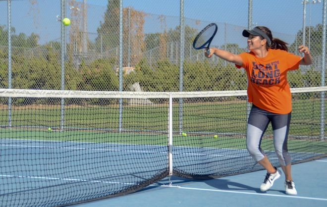 Fullerton Beats Long Beach 4-3