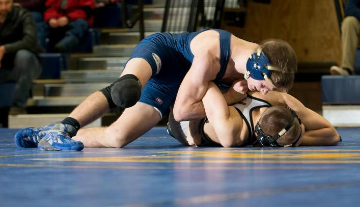 Wrestling Falls in Conference Dual against Pointers