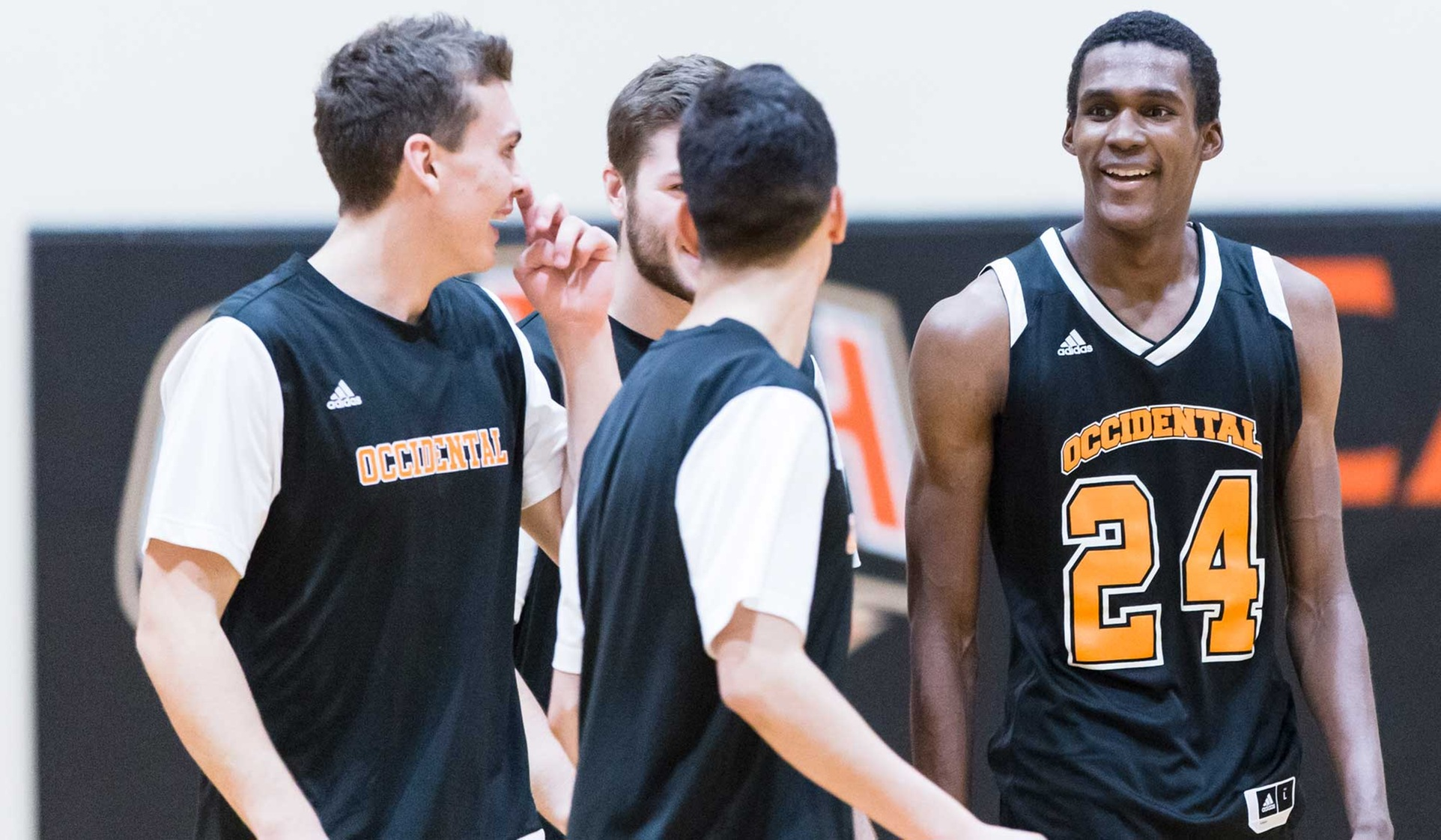 Baines Surpasses 1,000 at Oxy in CLU Win