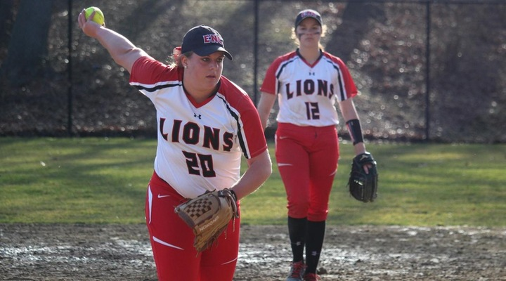 Softball Trades Victories at Simmons Wednesday