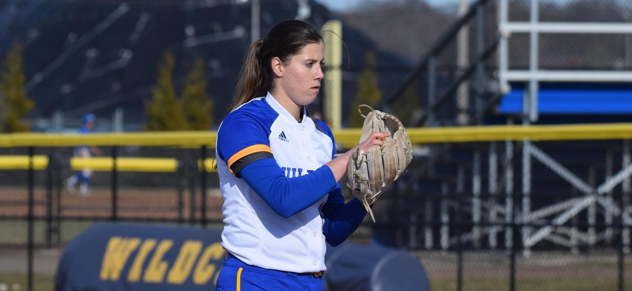 Pitching & Defense Leads Softball to Sweep at Simmons