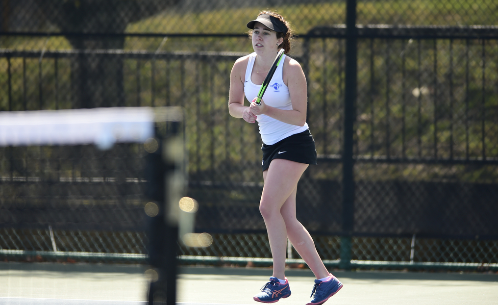 Women's Tennis Upended by TCNJ