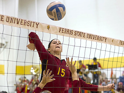 FSU Prevails Over Hillsdale in a 3-0 Decision