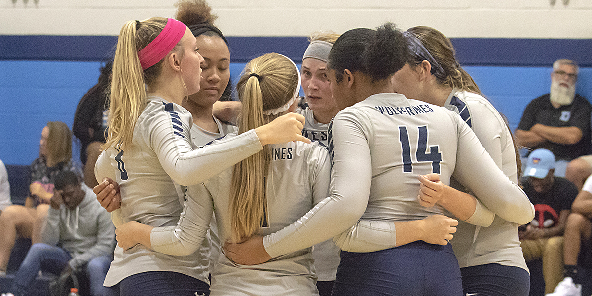 Volleyball splits tri-match with Medgar Evers, Wilkes
