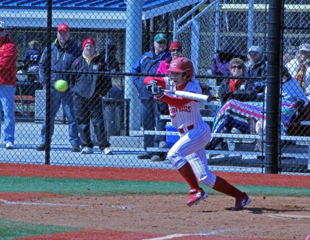 Iacoangeli's Game Winning Hit Highlights Second Straight DH Split For Express Softball