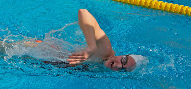 Caltech Splits Meets Against Chapman