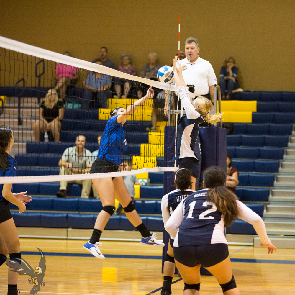 Eagles Dispatch Bulldogs in Five Set Thriller!