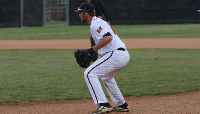 Baseball splits doubleheader with Ohio Northern
