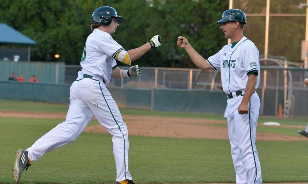 BASEBALL NARROWLY EDGED IN BOTH GAMES OF DOUBLEHEADER SATURDAY AT #11 WASHINGTON
