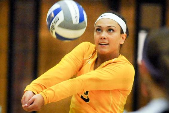 Arlayna Newcomer records career-high 48 digs.