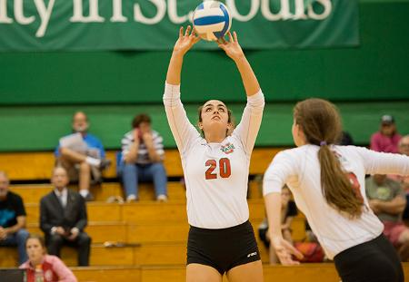Washington University Volleyball Outlasts No. 1 Cal Lutheran and Heidelberg