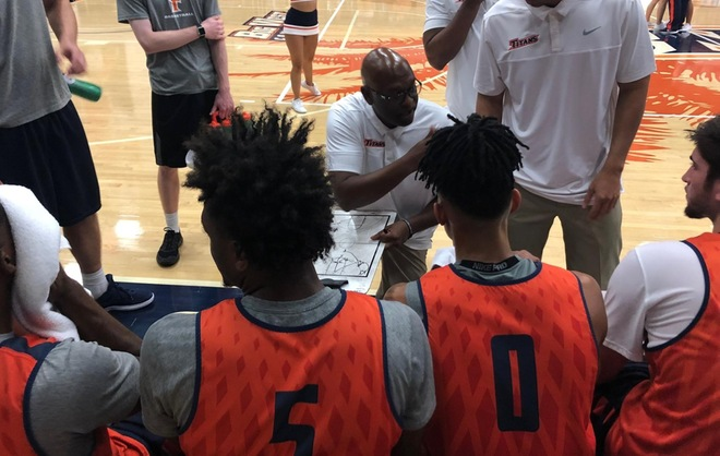 Men's Basketball Hosts Successful Blue/Orange Scrimmage