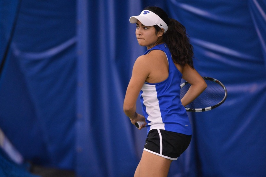 Sophomore Korina Hernandez has now won six straight matches and is 4-0 playing in the No. 4 position in the Wellesley lineup (Gil Talbot).