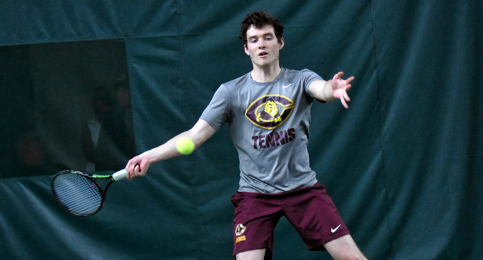 Senior Erik Porter won both of his doubles matches on the opening day of matches in Florida for the Cobbers.