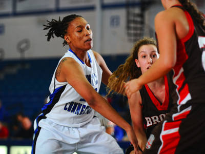 Women's Basketball Comes From Behind to Defeat Siena 57-48 in OT