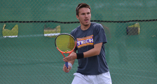 Golden Eagles stun Govs, clinch share of OVC title with 5-2 win