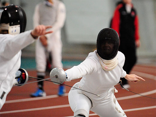 Women's fencing places two in semifinals at Temple Open