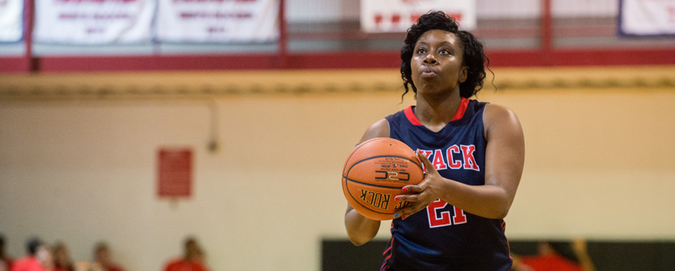 Women's Basketball Suffers Tough Road Loss to DC Chargers, 95-66