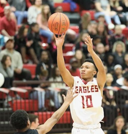 Chandler Murray scored 22 points to lead the Eagles past Hampden-Sydney.