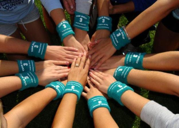 Salve Regina women's cross country athletes will be collecting donations at Saturday's football game on behalf of Team Molly, a program that asks students to participate in educating peers, family, and friends of the risks, signs, and symptoms of ovarian cancer.