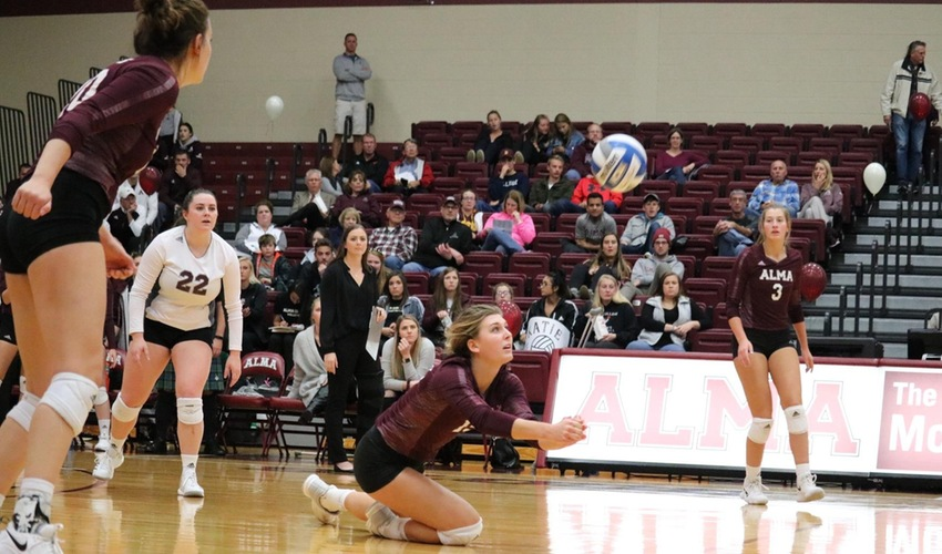 Volleyball Drops Two Non-Conference Tilts