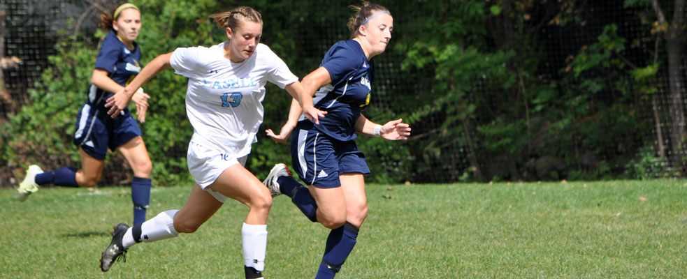 Zdanek Nets Game Winner in Women's Soccer Victory over Albertus