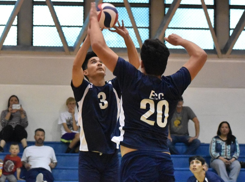 Men's Volleyball Blanks L.A. Pierce
