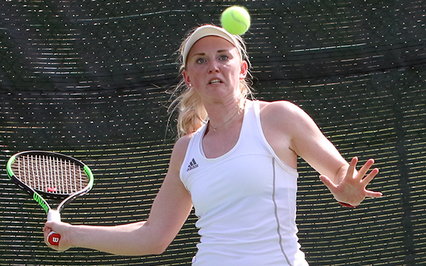 Linnea Skymberg clinched the win with a 6-3, 6-4 victory.