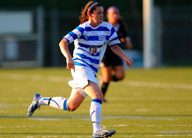 Women's Soccer Falls 2-0 to Holy Cross