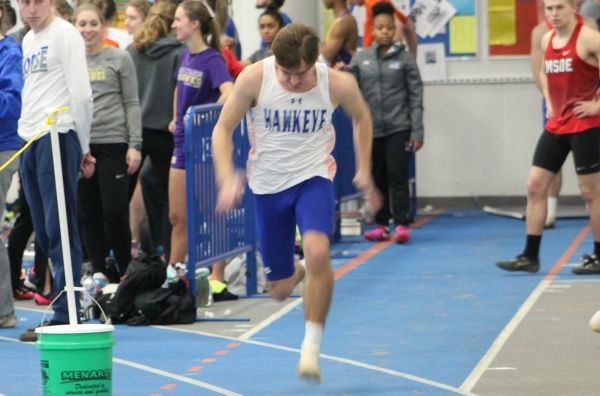 Men's Track Puts on Strong Performance at UW-Platteville