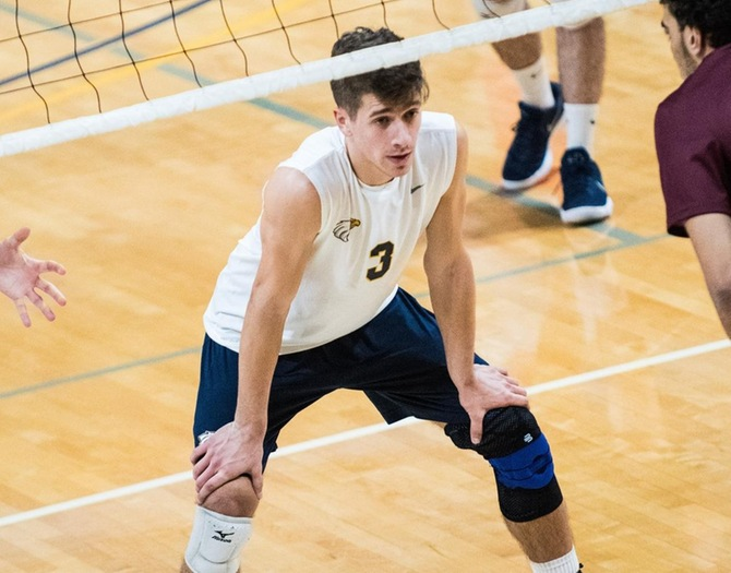 Men's Volleyball Splits at Home on Thursday
