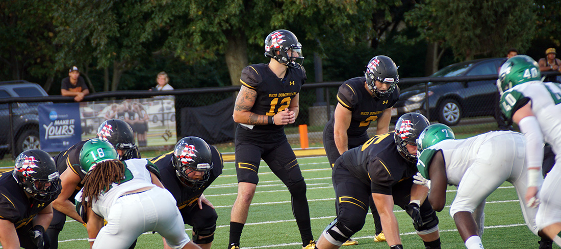 Football Entertains Crowd In Thrilling 41-27 Homecoming Win Over Hillsdale