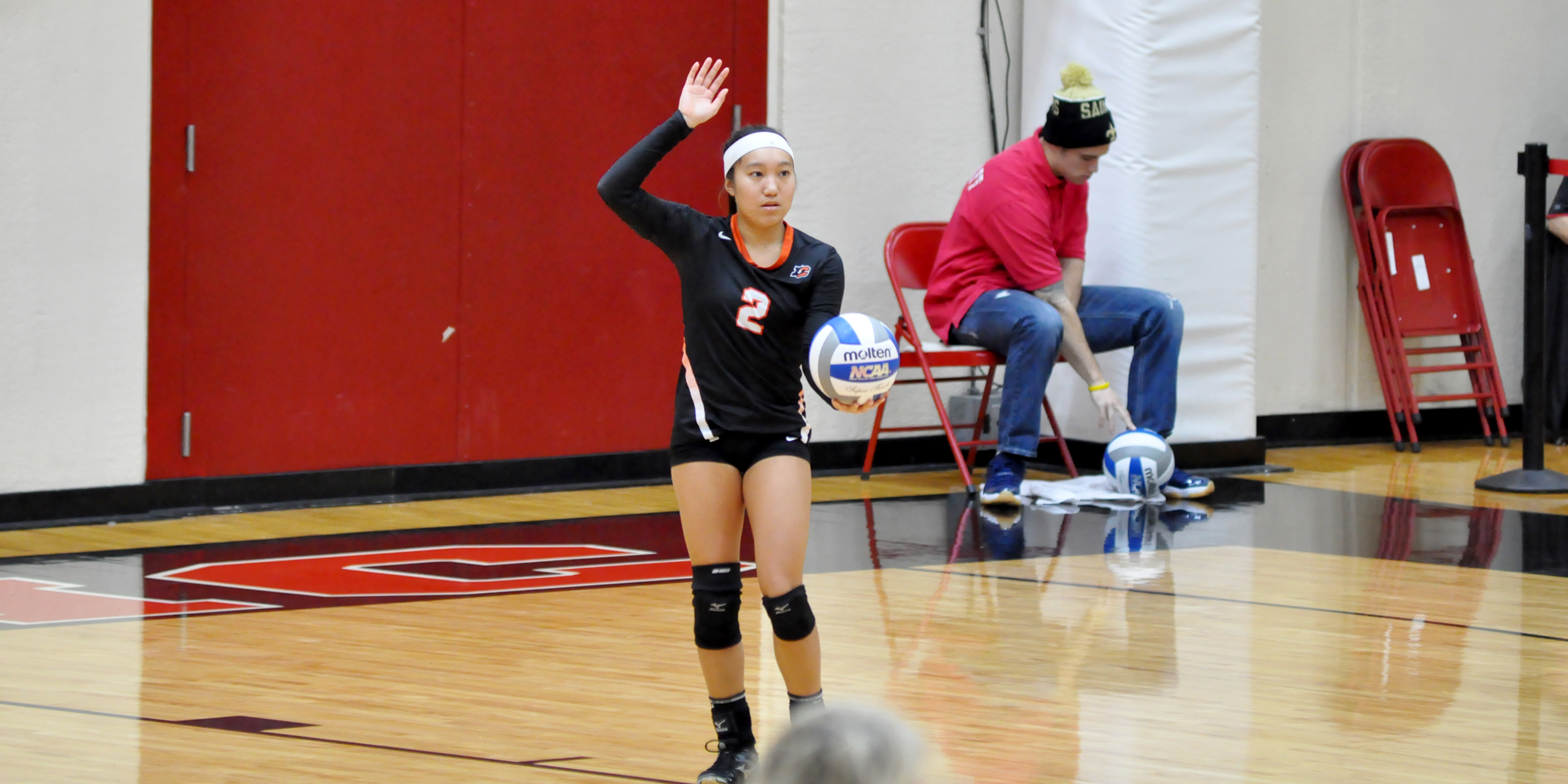 Navarro and Somers combine for 40 digs in loss to Whitman