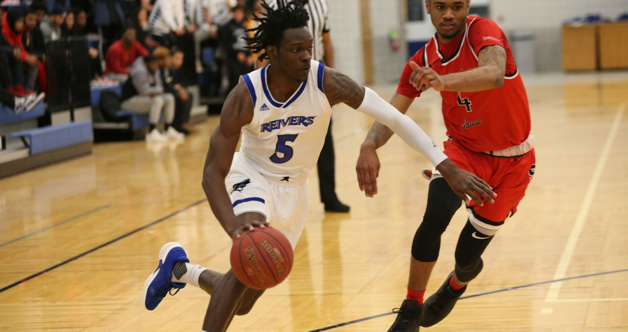 Travon Broadway collected his first double-double of the season (28pts-10rebs), as Iowa Western beat Cloud County (KS) for the second time this season.