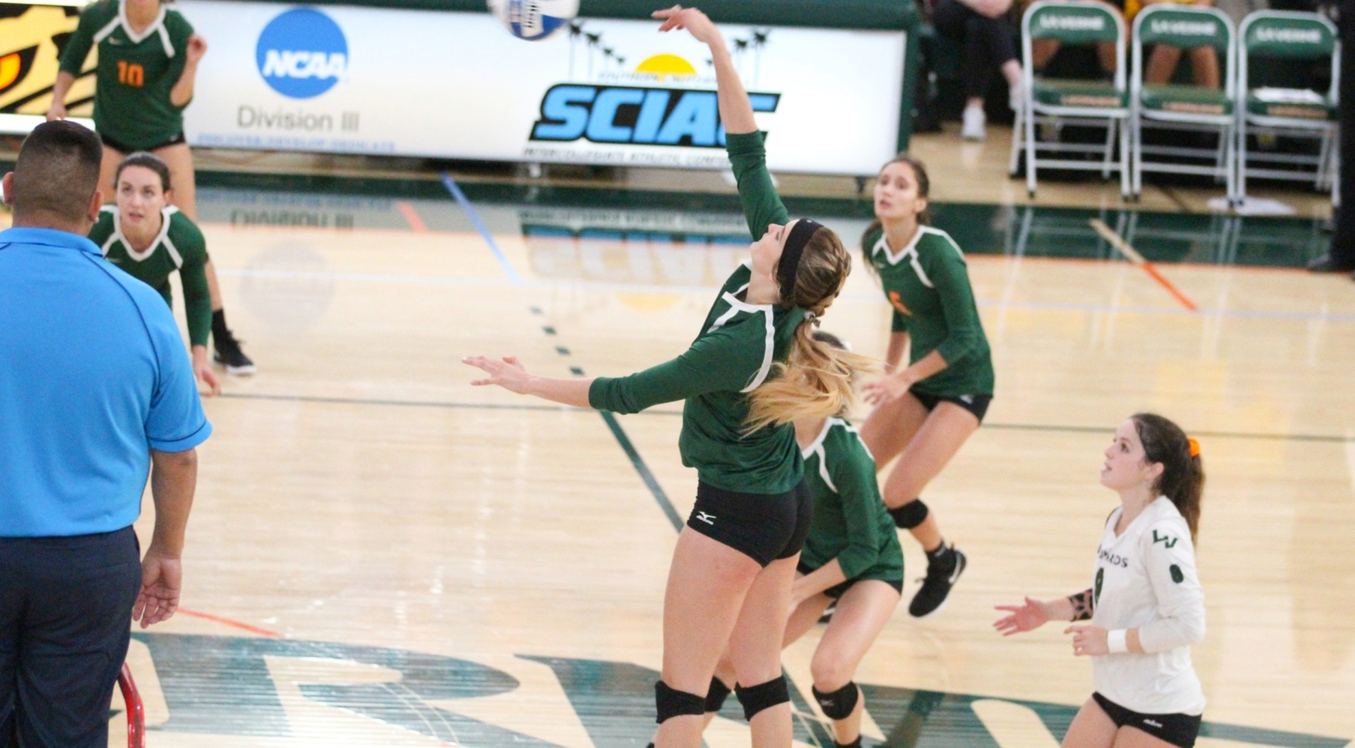 Volleyball beats No. 9 Southwestern in season opener