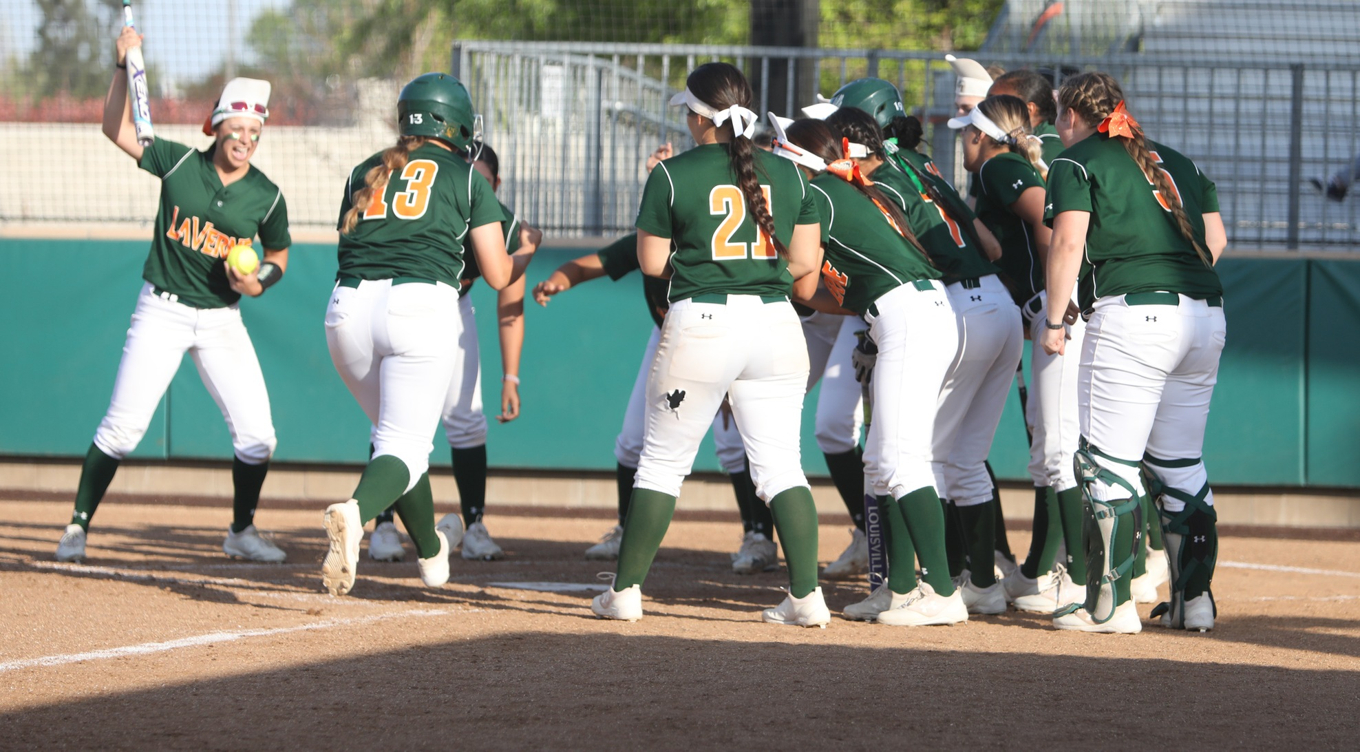 Leopards win on Senior Day, claim share of SCIAC title