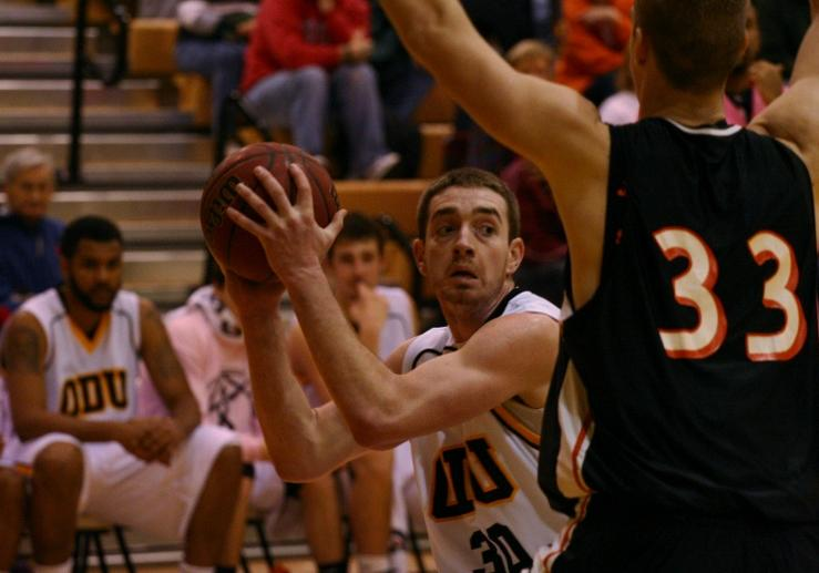 Panthers Take on Tiffin in South Division Tilt