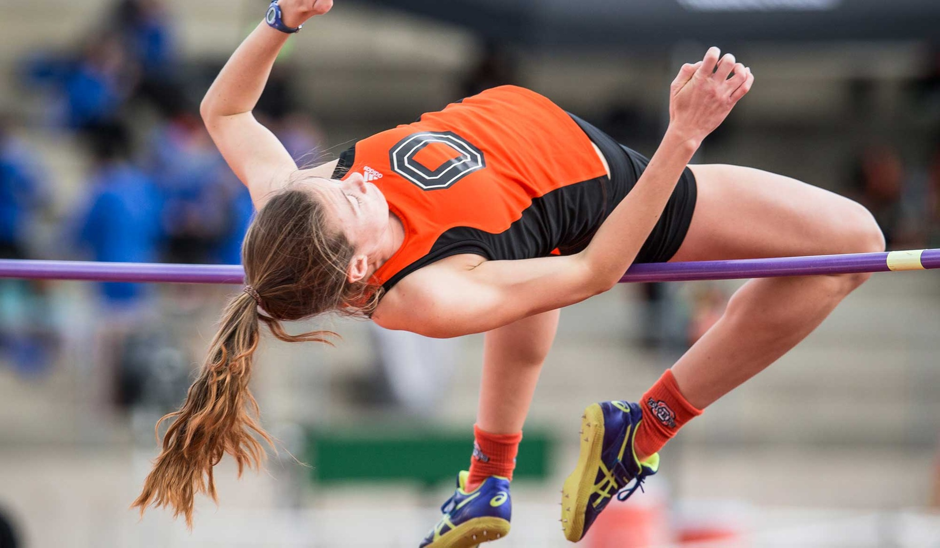 Oxy Track Teams Beat Whittier, Caltech