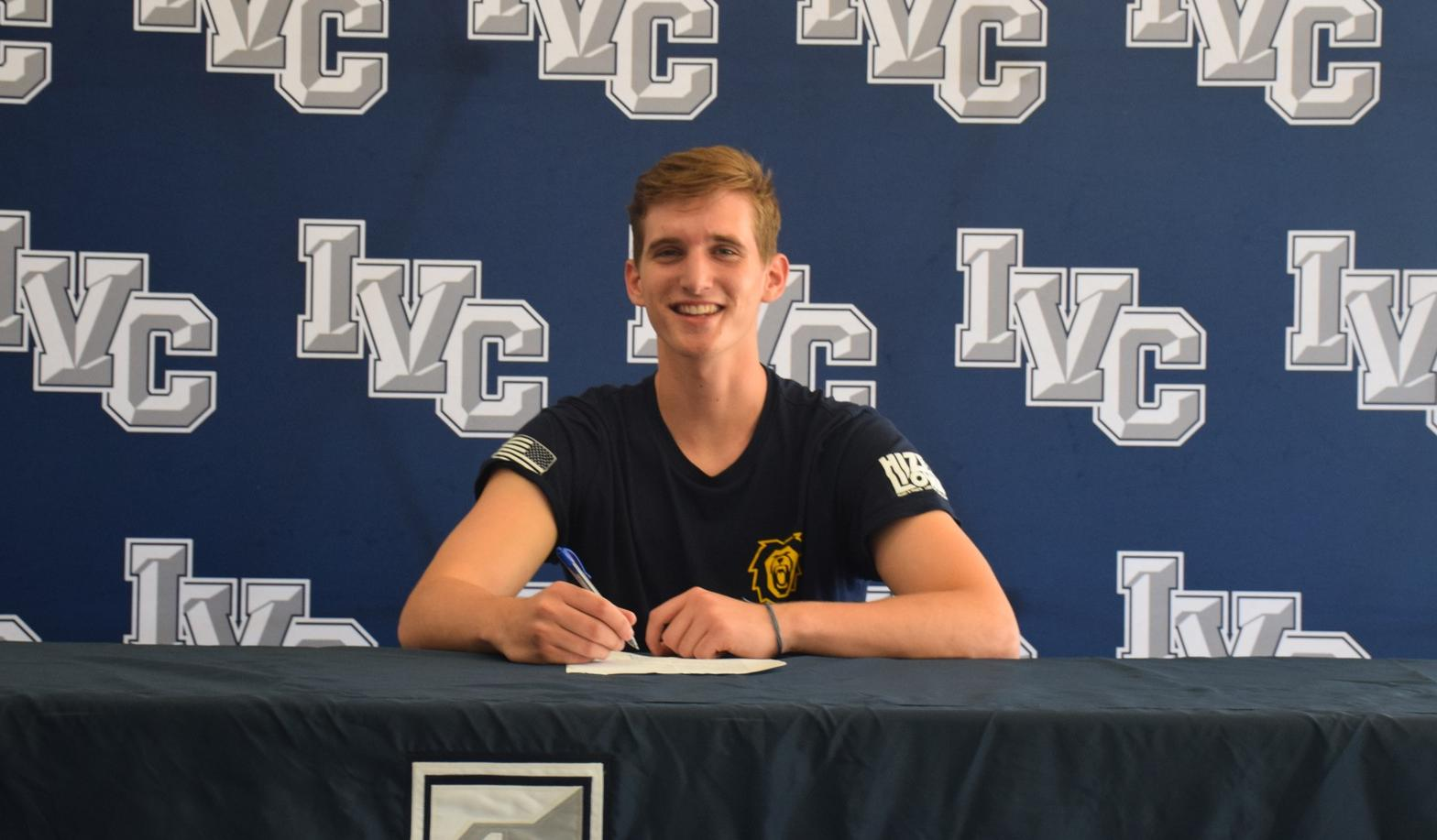 Men's volleyball player Declan Holder signs with Vanguard