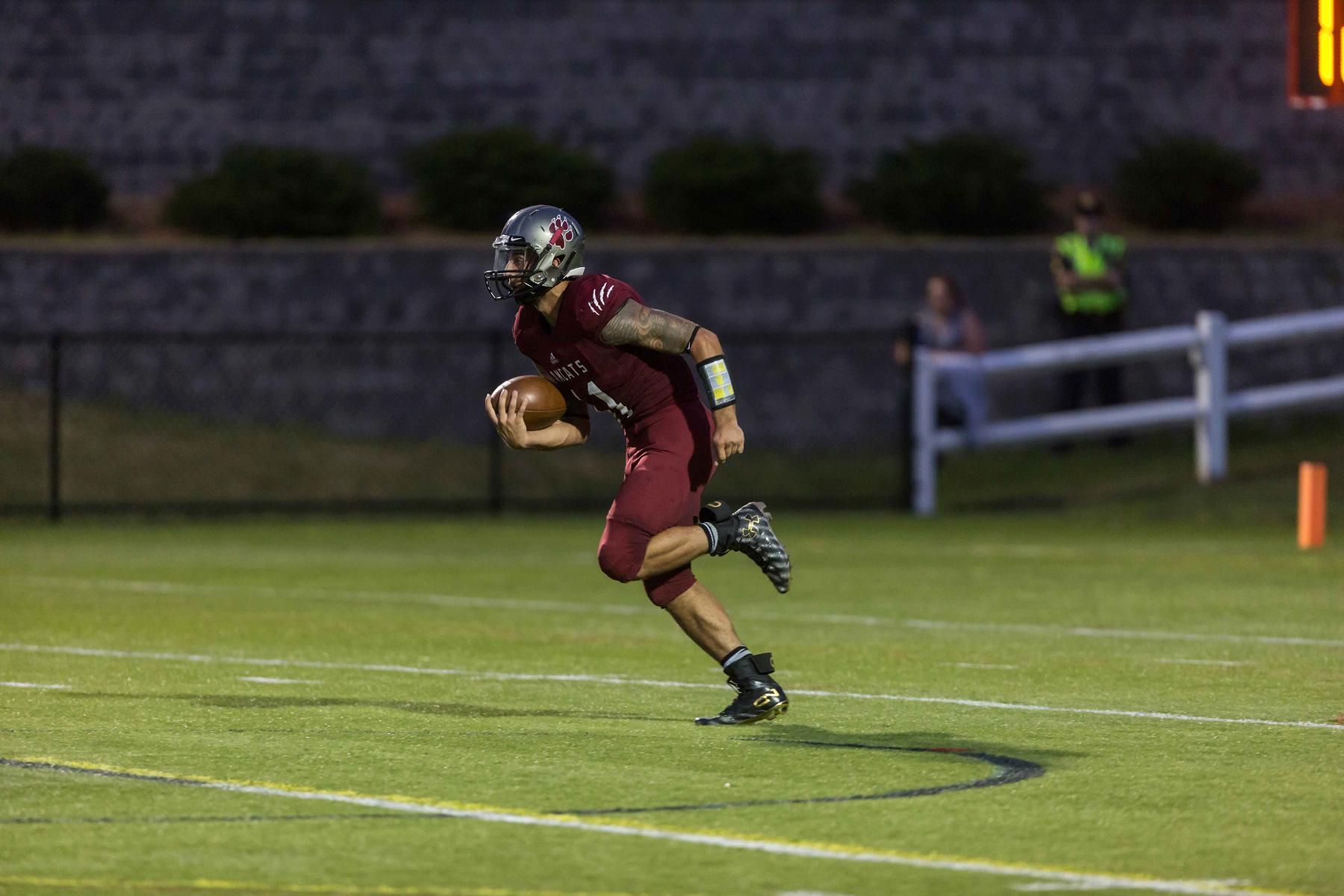 Norwich Marches to 28-7 Win over Anna Maria