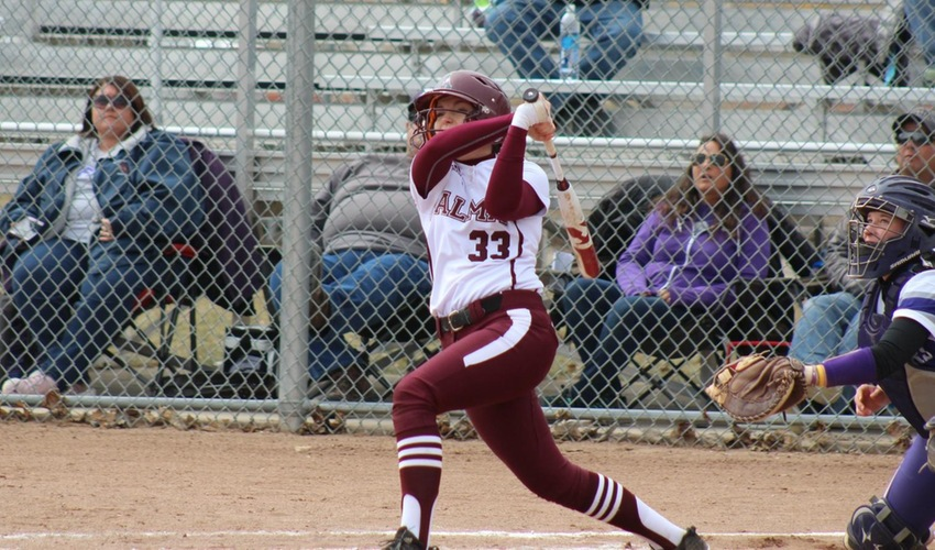 Softball's Offense Stays Hot in Split with Bluffton