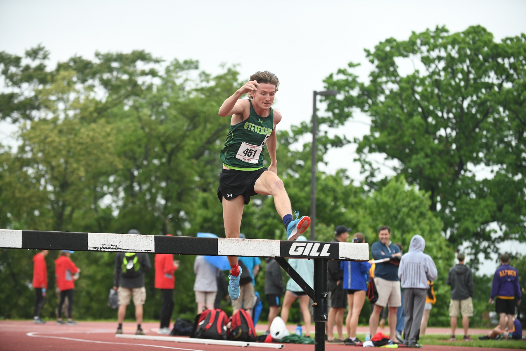 Gash Wins 1500, Watson Takes Steeplechase at Oscar Moore Invite