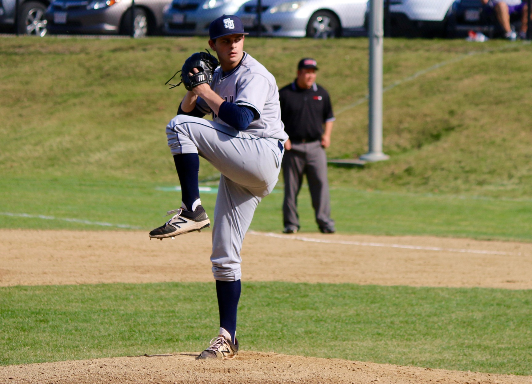 Baseball Cruises Past Lasell, 8-1, in Game 1