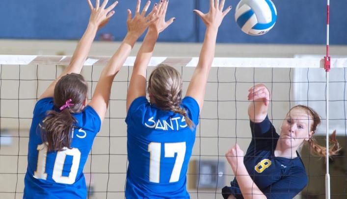 Volleyball Wins Two on Day One of Oshkosh Invite