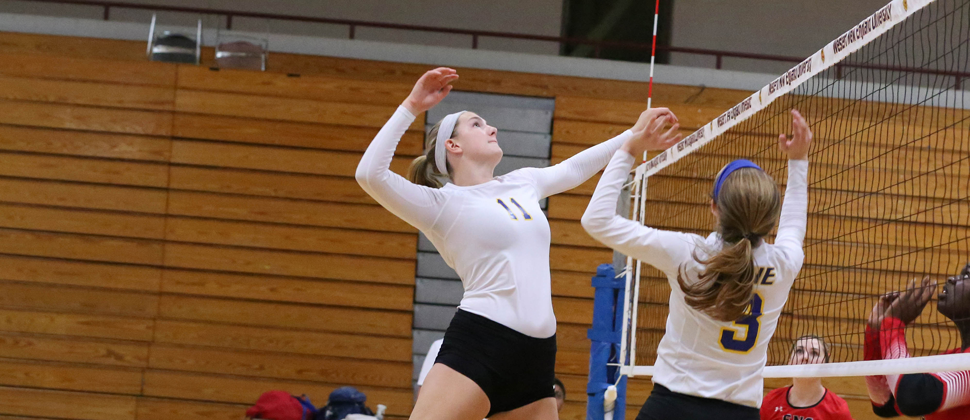 Junior middle blocker Cassie Holmes recorded four kills against Wisconsin-Eau Claire on Saturday at the Kean Invitational (Photo by Riccio Productions)