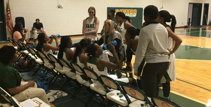Lady Gators Ease to 13th Straight Victory