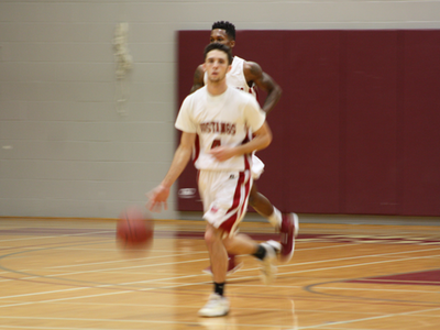 Men's Basketball: Fall short in season opener