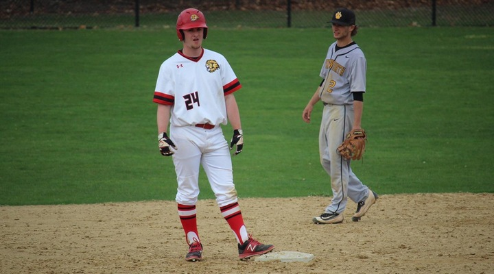 Baseball Settles for Doubleheader Split with Wentworth